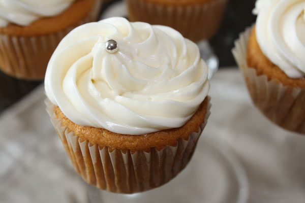 Fresh Mango Cupcakes-vegan