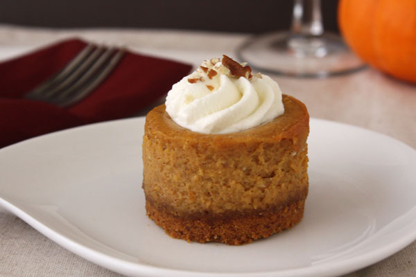 Mini Bourbon Pumpkin Cheesecakes | Dessarts