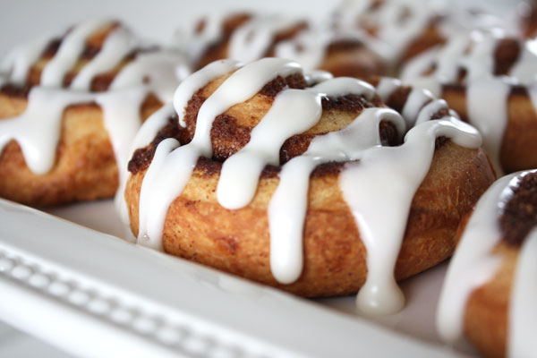 brioche cinnamon rolls with cream cheese frosting