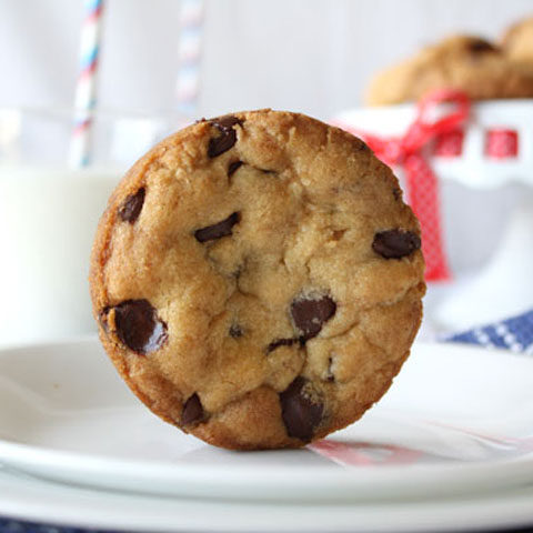 What's the secret to getting a perfectly round chocolate chip cookie? Read on to find out my tips and tricks and make these beautifully round and delicious chocolate chip cookies.