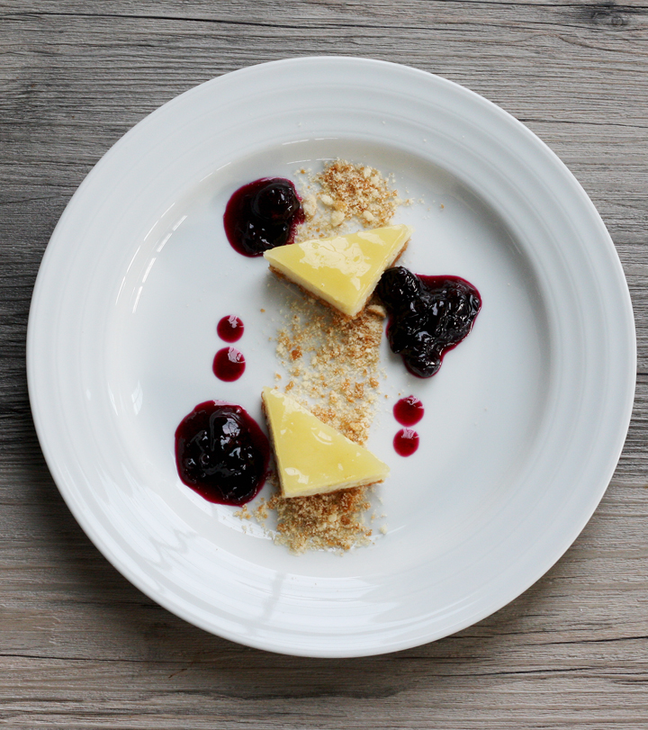 plated cheesecake