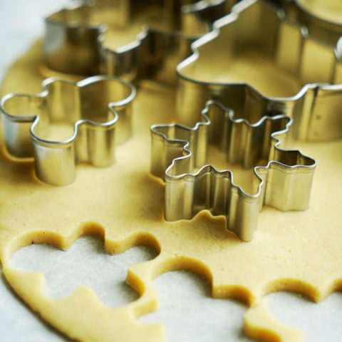 How to Clean and Dry Cookie Cutters