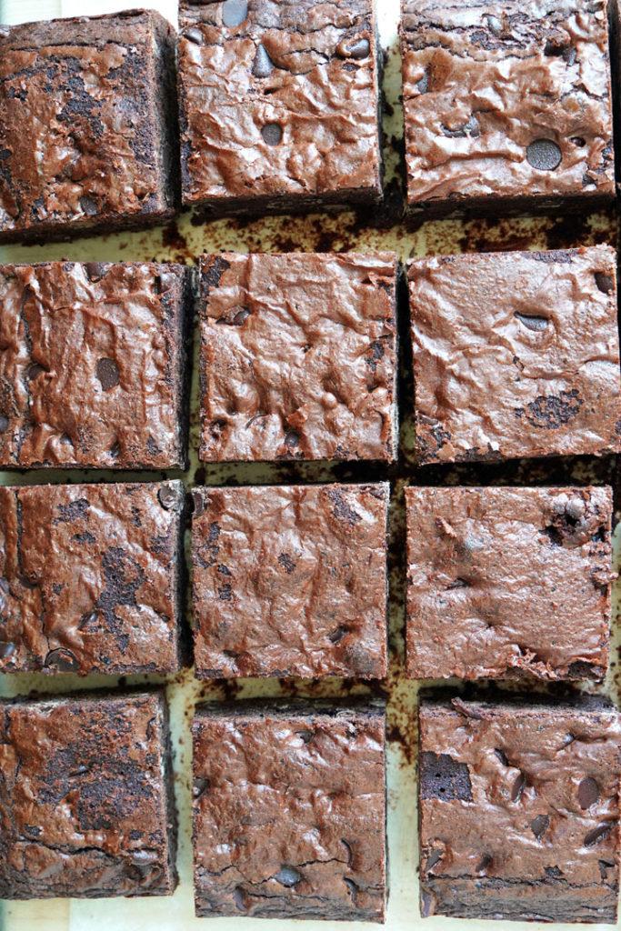 Top view of cut brownies.