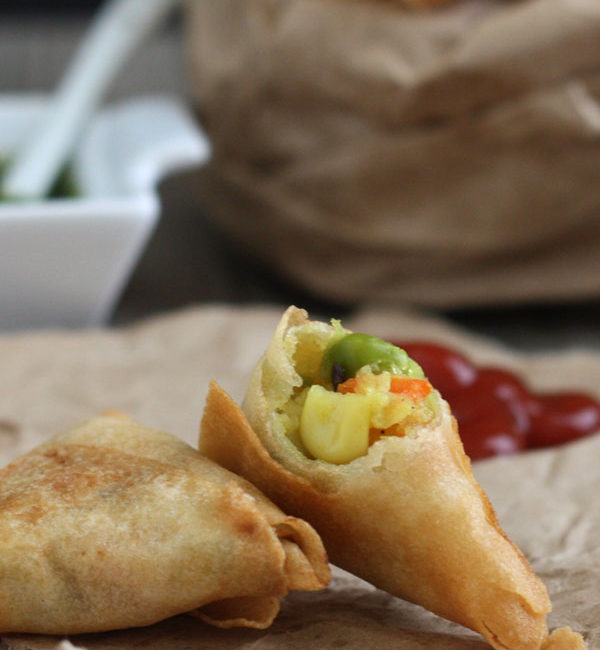 Mini cocktail samosas filled with potato and vegetables
