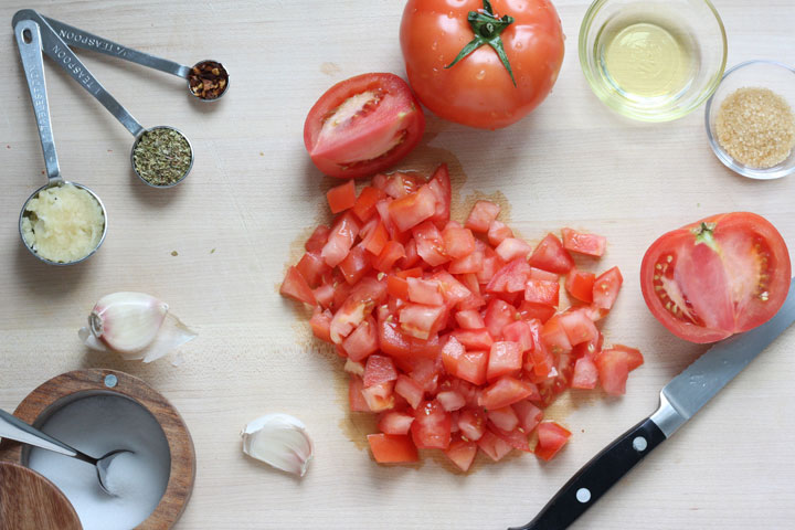 Pizza sauce ingredients.