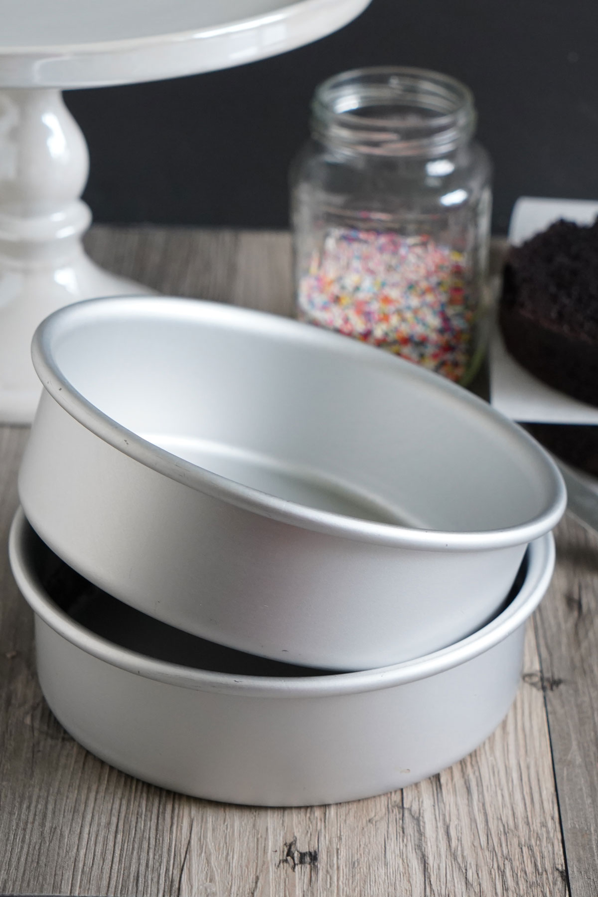 Fat Daddio's aluminum six inch pans used for small cakes.