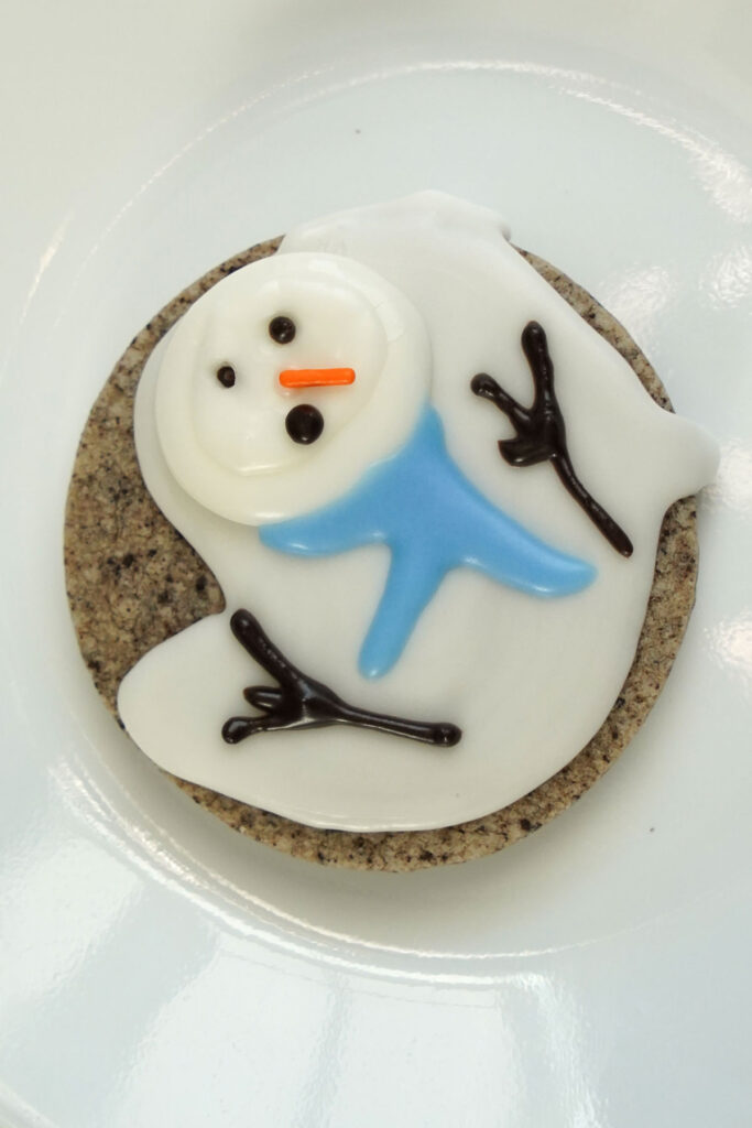 Melted snowman cookie without marshmallows.